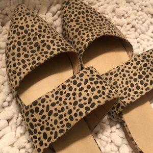Shoes - Cheetah flats